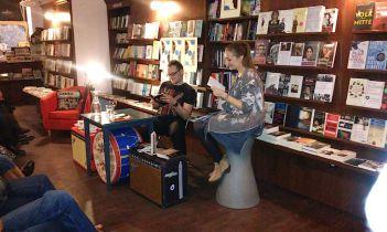 """Anika Landsteiner liest Passagen aus """"Schluss mit luschig!"""""""