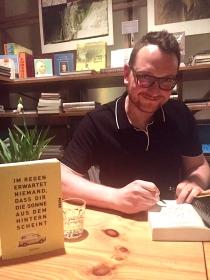 """Buchpräsentation """"Im Regen"""" bei Literatur Moths, März 2017"""